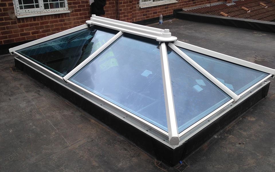 V & R Installations window vent